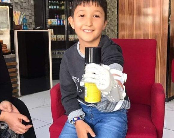 Ankara #Robotel ekibi Konya'dan başvuran Hasan Hüseyin'in de robot eli teslim etti! 💪😊🙆♀️ #SosyalFayda için #Teknoloji