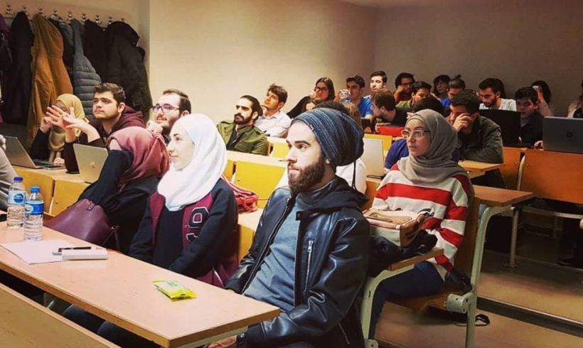 Veteran gönüllümüz @ilhanozanaral Bahçeşehir Üniversitesi'nde #Robotel eğitimi düzenledi.