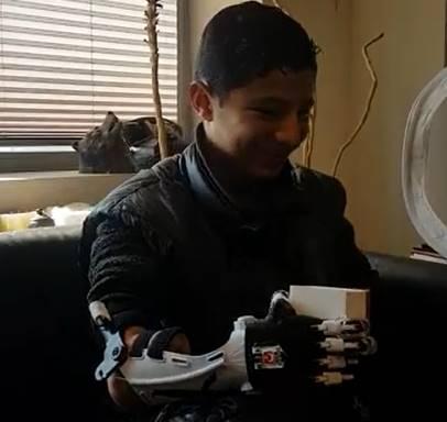 Birnur Yıldırım'ın sokakta rastladığı Mahmut'un #Robotel tasarımını tecrübeli gönüllümüz Ozan Aral yaptı